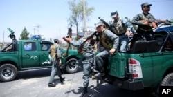 Các sĩ quan quân đội quốc gia Afghanistan phục vụ tại Achin nói khu vực này hiện có an ninh, sau khi chính phủ toàn thắng trong cuộc giao tranh giằng co với Nhà nước Hồi Giáo để chiếm một trạm kiểm soát an ninh quan trọng.