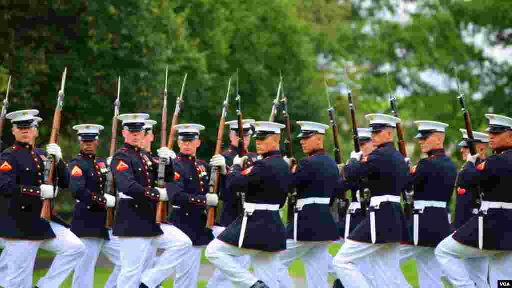 Подразделение морских пехотинцев