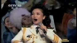 Перша леді Китаю - співаючий генерал-майор