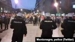 Policija Crne Gore i vernici SPC u Nikpiću, 13. maja (Foto: Twitter/Policija Crne Gore)