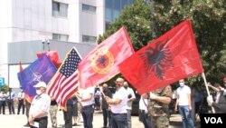 Veterani OVK na protestu u Prištini (Foto: VOA)