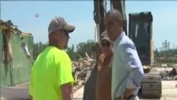 奧巴馬視察阿肯色州龍捲風災區
