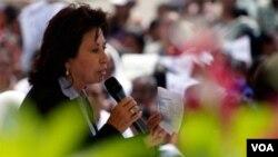 Torres se divorció en abril del jefe de Estado Alvaro Colom para poder ser candidata a la sucesión.