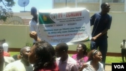 FILE: Youths affiliated to the Patriotic Forum for Zimbabwe Children of National Liberation War Veterans were demonstrating for the second-day running against sanctions. (Photo: Irwin Chifera)