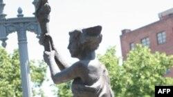 华盛顿街头的共产主义受害者像
