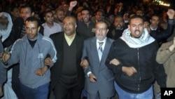 آغاز مذاکرات میان گروه های مخالف و قاهره در مصر
