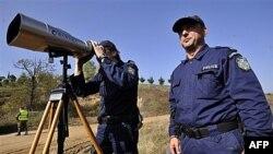 Pripadnici Frontex-a na granici između Grčke i Turske