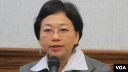 台湾陆委会经济处专门委员李佩儒 (美国之音张永泰拍摄)