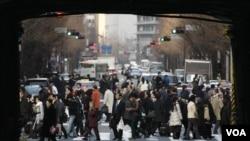 Para pejalan kaki di jalanan Tokyo (Foto: dok).