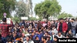 عکس آرشیوی از تجمعات کاگران هفت تپه در هفدهمین روز از تجمعات اعتراضی سال ۹۷
