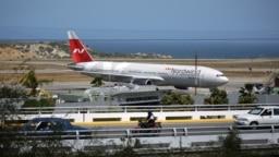 Chiếc Boeing 777 của hãng Nordwind Airlines tại sân bay ở Caracas hôm 29/1.