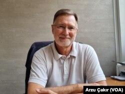 Fransız araştırmacı ve yazar Didier Billion
