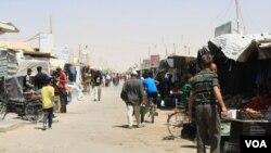 Các trại tị nạn ở Jordan, Thổ Nhĩ Kỳ và Lebanon đã phát triển thành làng và thị trấn. Nhưng cư dân ở đây không có nhiều nguồn tài nguyên hoặc các quyền, không có tương lai trong các trại.