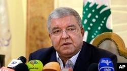 نهاد المشنوق وزیر کشور لبنان در نشست خبری در بیروت - ۲۴ آبان ۱۳۹۴