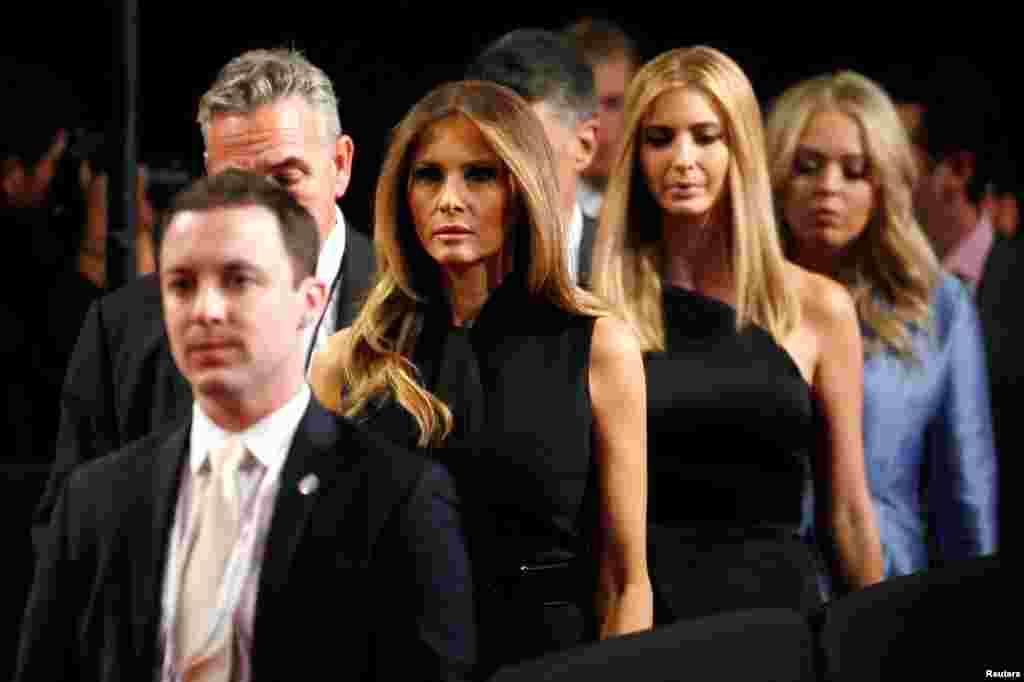 حضور اعضای خانواده دونالد ترامپ، نامزد جمهوری خواه ریاست جمهوری آمریکا، در آخرین مناظره انتخابت امسال.