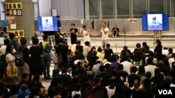香港民間人權陣線舉行集會要求政府就警方6月12日清場行動成立獨立調查委員會。(美國之音湯惠芸拍攝)
