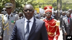Senegal's President Macky Sall arrives at the presidential palace after his inauguration in Dakar April 2, 2012. (Reuters)