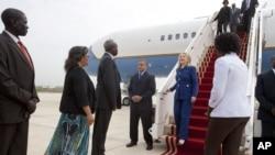 Ngoại trưởng Mỹ Hillary Clinton công du châu Phi