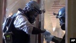 聯合國調查員在大馬士革郊區搜集化武證據