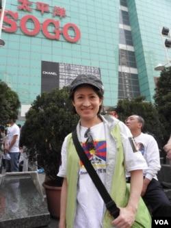 民进党立委肖美琴3月10日接受美国之音采访 (美国之音申华拍摄)