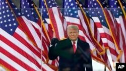 Presidente Donald Trump chega ao comício em Washington, 6 janeiro 2021