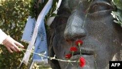 Yunanistan'da Kanlı Öğrenci Devrimi Gösterilerle Anıldı