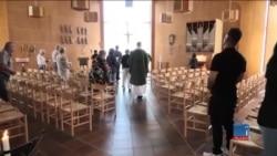 چگونه شماری از پناهجویان افغان در سویدن، به مسیحیت میگرایند