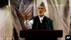 9일 하미드 카르자이 아프가니스탄 대통령이 카불에서 열린 반테러 운동가 추모식에서 발언하고 있다.