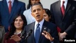21일 미국 워싱턴 백악관에서 바락 오바마 미국 대통령이 새 건강보험정책에 관해 설명하고 있다.