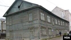 俄遠東地區居民住房狀況不好。雅庫特地區首府雅庫特市中心的居民住宅。