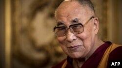 Tân bí thư Tây Tạng Ngô Ánh Khiết ngày 30/9 tuyên bố chống lại ảnh hưởng của Đức Đạt Lai Lạt Ma ở Tây Tạng là ưu tiên cấp khu vực cao nhất của Bắc Kinh.