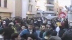 阿盟观察员访问叙利亚抗议活动中心