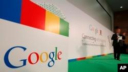 谷歌公司负责人施密特在香港中文大学发表讲话(2013年11月4日)