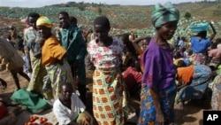 Des femmes sur le marché d'un camp de déplacés à 40 km de Bunia (Archives)