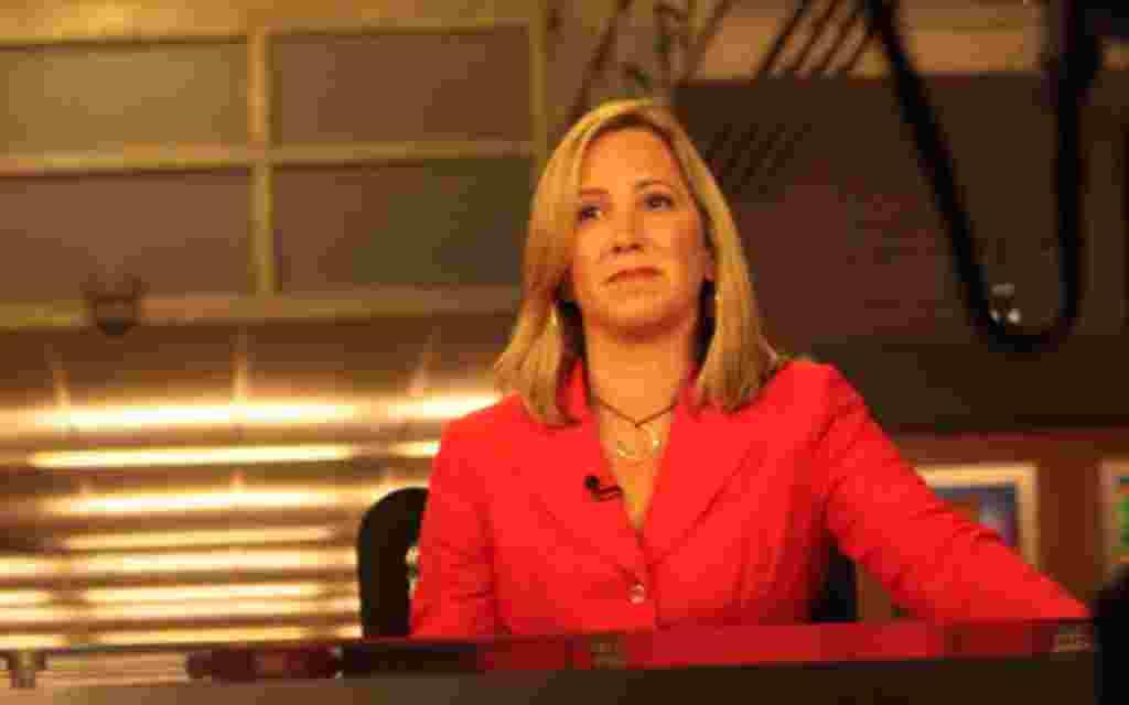 Foro Interamerica, a TV Show from Voice of America in Spanish. Anchor: Patricia Dalmasy.