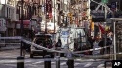 Policija na mestu zločina u kineskoj četvrti u Njujorku