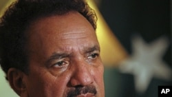 Pakistan's Interior Minister Rehman Malik (file photo).