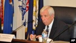 Dân biểu Frank Wolf, đồng chủ tịch Ủy ban Nhân quyền Tom Lantos