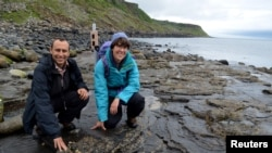 Steve Brusatte and Paige dePolo on the Isle of Skye