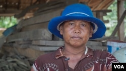 Phel Hoeun, 47 and a mother of five, lives in Siem Reap province. Her husband makes a living by working as a constructin worker. (Khan Sokummono/VOA Khmer)