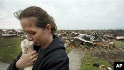 156 лица се` уште исчезнати по торнадото во Џоплин