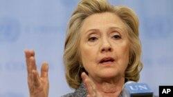 힐러리 클린턴 전 국무장관이 10일 뉴욕 유엔 본부에서 기자회견을 하고있다.
