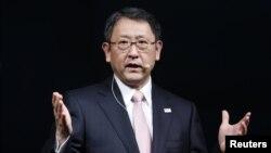 Глава компании Toyota Акио Тойода принес публичные извинения за качество произведенной концерном продукции
