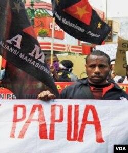 Para mahasiswa Papua di Yogyakarta meminta jaminan keamanan kepada Gubernur DIY, Sri Sultan Hamengkubuwono X.