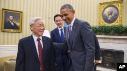 美國總統奧巴馬7月7日在白宮橢圓形辦公室﹐會見了越南共產黨總書記阮富仲。