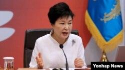 박근혜 한국 대통령 (자료사진)