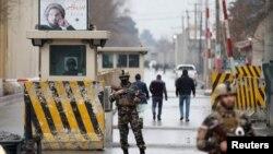 کابل میں ہونے والے دھماکے کے قریب موجود سکیورٹی اہلکار