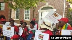 Nhengo dzeMDC dzichiratidzira pamuzinda weZimbabwe uri muWashington D.C.