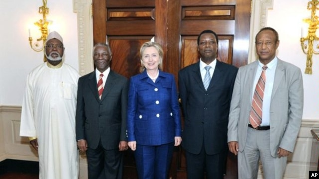 Secretary of State Hillary Rodham Clinton met with former President of South Africa Thabo Mbeki, Chairperson of the African Union High-level Implementation Panel on Sudan, and Haile Menkerios, the United Nations Special Representative for the Secretary Ge