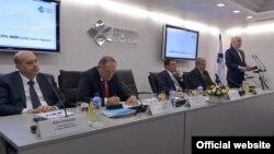 Crnogorski premijer Duško Marković sa privrednicima (gov.me)